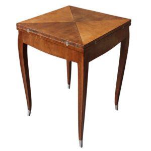 1330_Table_jeux_mouchoir_10_org_z