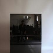 1153-Meuble 70's laque noire (2)
