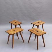 7- 1835-4 tabourets-tables poignee