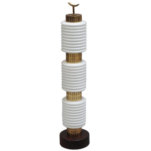 A Fine 1960's White Opaline and Brass Table Lamp on a Wooden Base