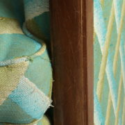 1094-Paire fauteuils clubs a carreaux verts (18)
