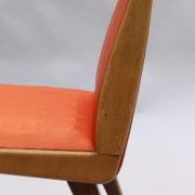 1673-6 chaises orange compas11
