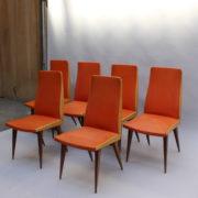 1673-6 chaises orange compas2