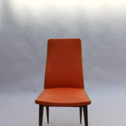1673-6 chaises orange compas6